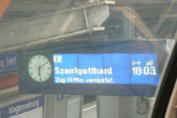 Zug hat gewartet - Hurra!
